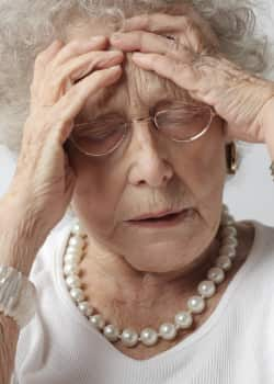 Demenz wird mit psychologischen Fragebögen und medizinischen, neurologischen Untersuchungen diagnostiziert.