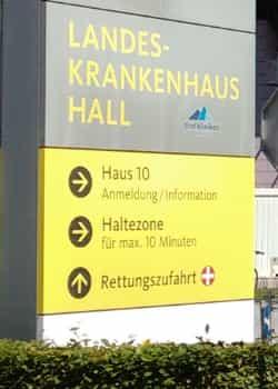 Das Krankenhaus Hall ist erster Anprechpartner für Innsbruck Land. Außerdem unterhält es die Station für Kinder- und Jugendpsychiatrie Tirols