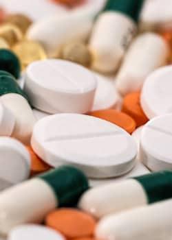 Psychiater dürfen Antidepressiva, Neuroleptika oder Stimmungsstabilisierer verschreiben.