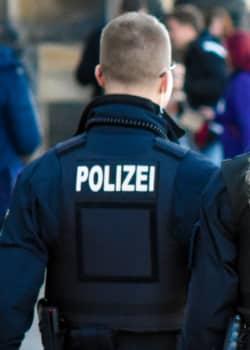 Waffenpsychologische Gutachten werden z. B. von Polizisten verlangt.
